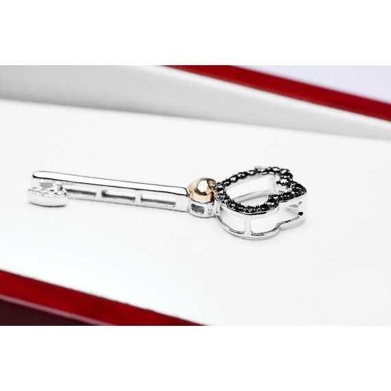 14CT WHITE GOLD DIAMOND KEY PENDANT
