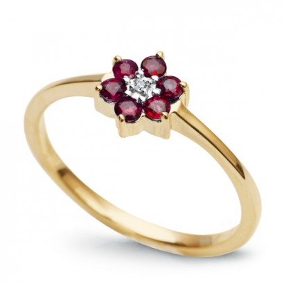 14CT GOLD RUBY FLOWER RING
