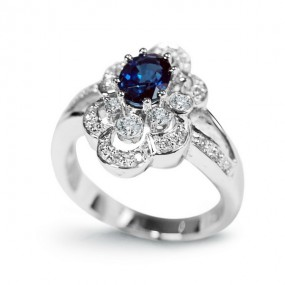 18CT GOLD SAPPHIRE RING