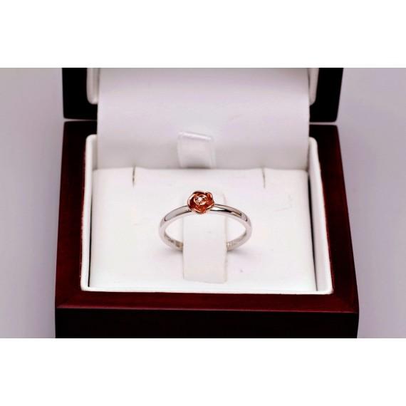 14CT WHITE GOLD DIAMOND FLOWER RING