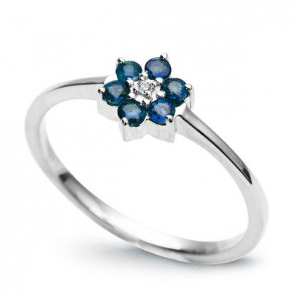 14CT WHITE GOLD SAPPHIRE FLOWER RING