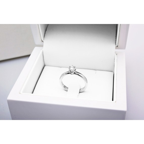 18CT WHITE GOLD DIAMOND ENGAGEMENT RING 0.25CT.
